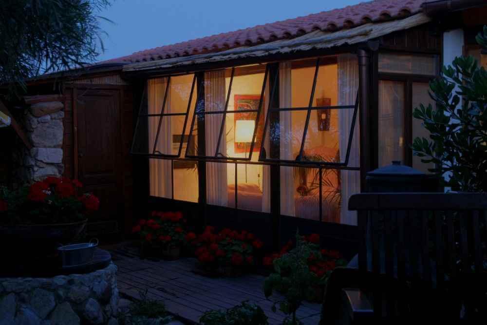 fotos und beschreibung sardinien ferienhaus direkt am. Black Bedroom Furniture Sets. Home Design Ideas